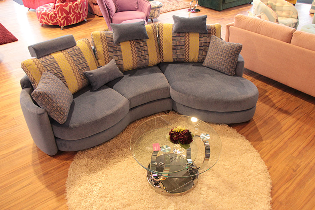 Funky Sofa Stock Montral
