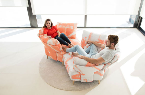 modern-love-seat-sofa-youme-sofa-mynexus-pentagonal-design-sofa-sofa-convert-into-two-armchairs-avant-garde-funky-focal-point-furniture_fama-living-montreal-1