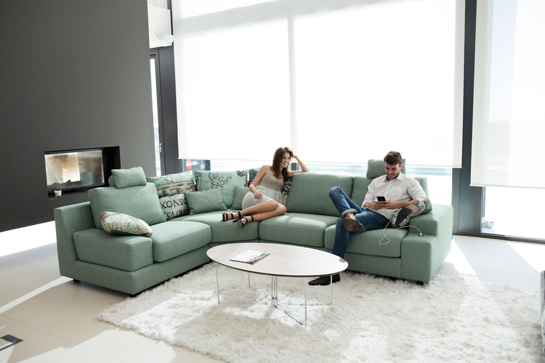 modern sofa calessi  famaliving montreal - calessi is the restyling our model calisto sofa with very few aestheticchanges since its design remains completely current only new arms andheadrests