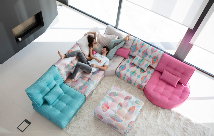 Modern style sectional sofa Arianne Love - FamaLiving Montreal